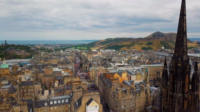 aerial /edinburgh festival  and visitors along the royal mile - old town stock videos & royalty-free footage