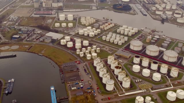 vidéos et rushes de aerial flying over amsterdam industrial area - groupe d'objets
