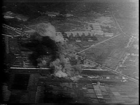 vídeos de stock, filmes e b-roll de aerial footage of douglas db7a boston bomber flying over dover cliffs and nearby countryside over houses/ bombing of nazi power station near paris /... - paramount building