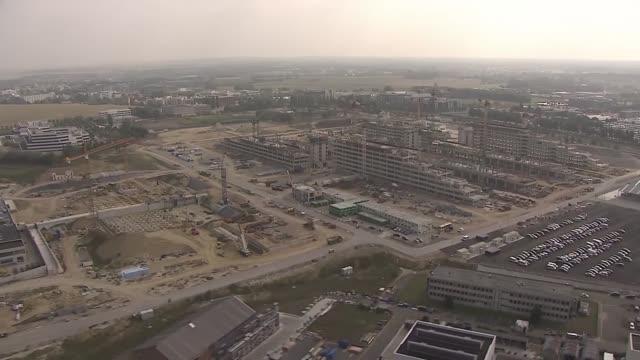 stockvideo's en b-roll-footage met aerial footage of the construction of the new nato hq. - hoofdkantoor