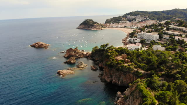 stockvideo's en b-roll-footage met aerial footage recorded with drone of the costa brava shoreline. - mar