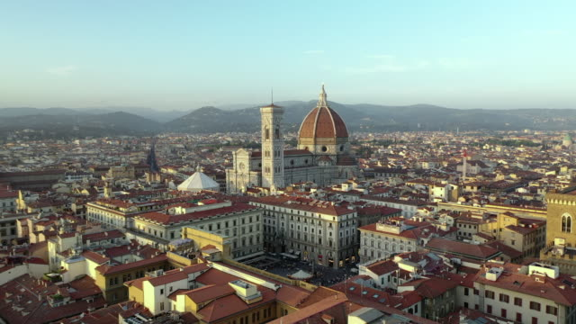 aerial forward: beautiful cityscape with famous duomo  - florence, italy - florenz italien stock-videos und b-roll-filmmaterial