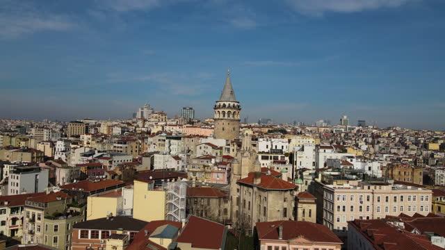 aerial galata, aerial istanbul, bosporus istanbul, luft bosporus, video rund um den galata-turm - tower stock-videos und b-roll-filmmaterial