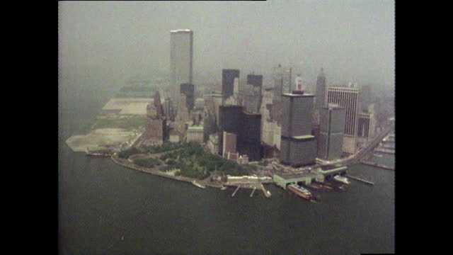 aerial gvs of new york and the statue of liberty; 1980 - world trade center manhattan stock-videos und b-roll-filmmaterial