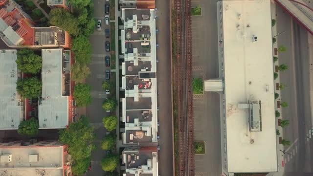 aerial, high angle, train tracks on an overpass, chicago, usa - シカゴ市点の映像素材/bロール