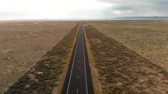 aerial pov highway vanishing point - diminishing perspective stock videos & royalty-free footage