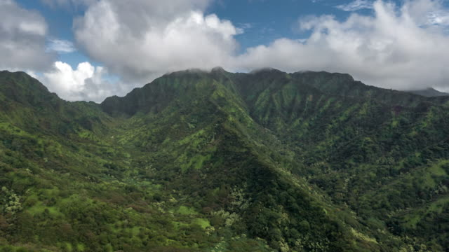 aerial hyper lapse view of clouds over mountains - hawaii islands stock videos & royalty-free footage