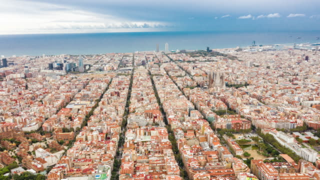 aerial hyperlapse of barcelona - horizon over land stock videos & royalty-free footage