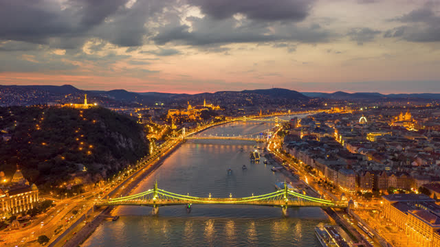aerial hyperlapse view over budapest hungary - széchenyi chain bridge stock videos & royalty-free footage