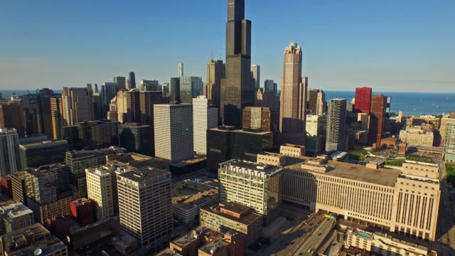 aerial illinois chicago - motorway junction stock videos & royalty-free footage