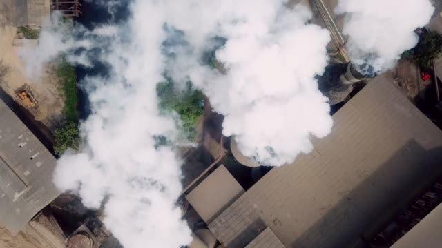 aerial industry smoke - officina video stock e b–roll