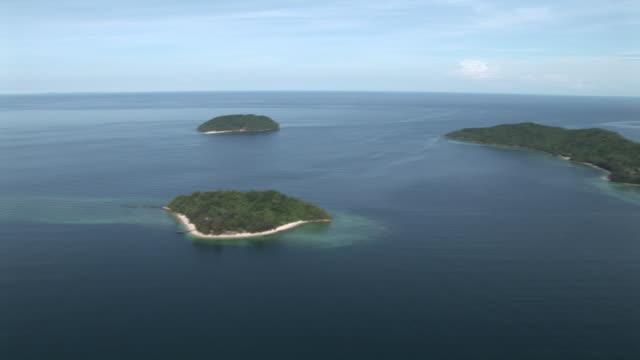 Aerial islands and reef of Tunku Abdul Rahman Park, Kota Kinabalu, Malaysia