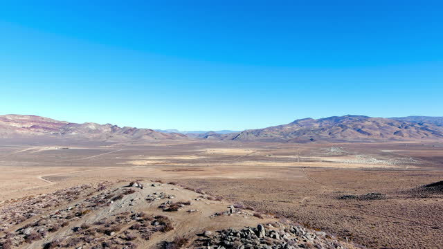 aerial landscape of the northern nevada desert near reno, nevada during late autumn. - nevada stock videos & royalty-free footage