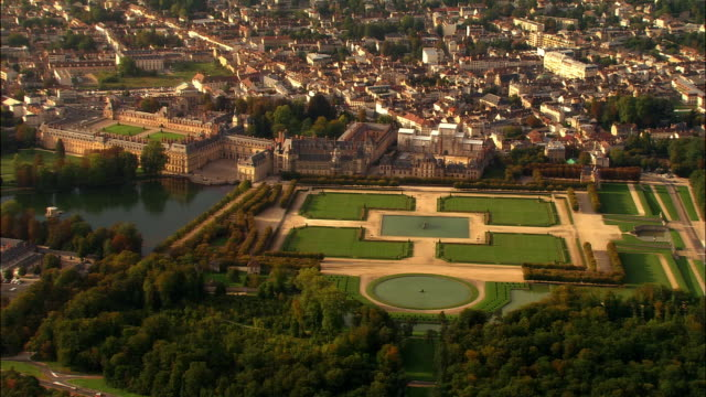 Aerial WS Landscaped gardens surrounding Chateau de Fontainbleau / Seine-et-Marne, Ile-de-France, France
