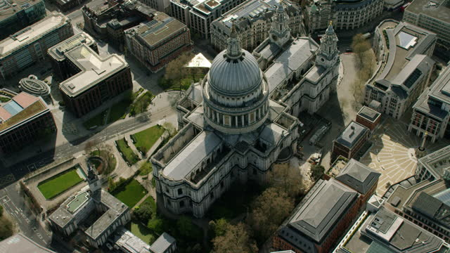 aerial london coronavirus empty streets st pauls cathedral - place of worship stock videos & royalty-free footage