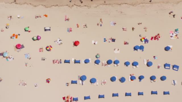 aerial looking directly down on south beach, miami fl - サウスビーチ点の映像素材/bロール