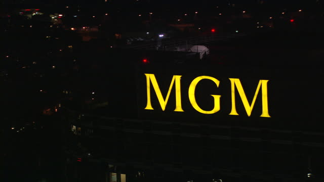 aerial ts ecu mgm studios sign /beverly hills, california, united states - western script stock videos & royalty-free footage