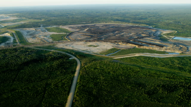 aerial mining athabasca tar sands fort mcmurray - mining stock videos & royalty-free footage