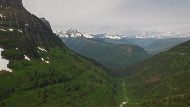 aerial montana glacier national park - montana stock-videos und b-roll-filmmaterial