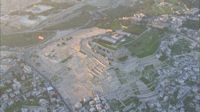 aerial mount of olives in eastern jerusalem, israel - haltbarkeit stock-videos und b-roll-filmmaterial