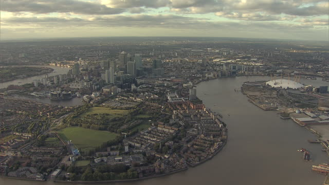 """aerial m/s canary wharf, isle of dogs and greenwich penninsula"" - river thames stock videos & royalty-free footage"