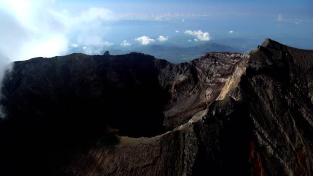 aerial mt agung gunung agung volcano mountain bali - krater stock-videos und b-roll-filmmaterial