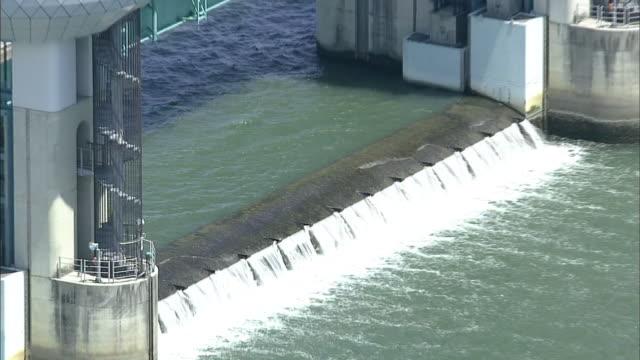 aerial nagaragawa estuary barrage - estuary stock videos & royalty-free footage