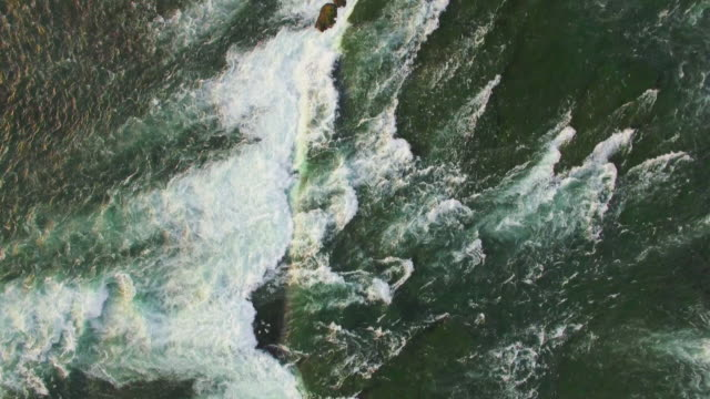 4k aerial niagara falls: fresh water pan view - niagara river stock videos and b-roll footage