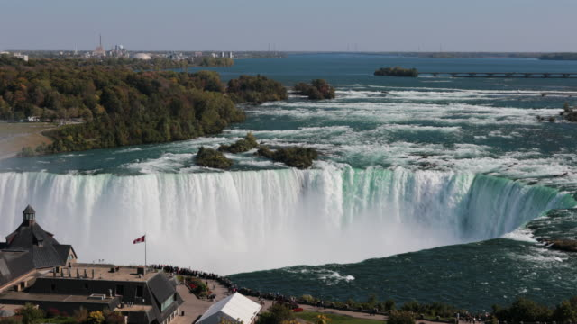 aerial niagarafälle uhd 4k video - fluss niagara river stock-videos und b-roll-filmmaterial