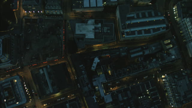 stockvideo's en b-roll-footage met aerial night view of regent street london uk - stadsweg