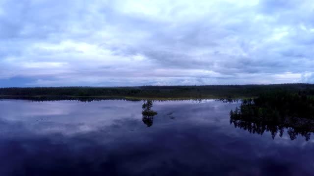 空から見たホテルの夜景 - ハイコントラスト点の映像素材/bロール