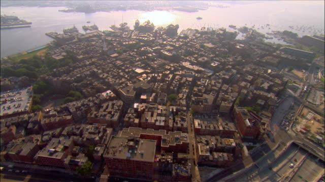 vídeos y material grabado en eventos de stock de aerial north end district to waterfront / boston, massachusetts - iglesia old north