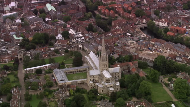 aerial norwich cathedral with labyrinth in cloisters / norwich, england - norwich england bildbanksvideor och videomaterial från bakom kulisserna