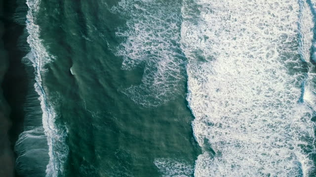 aerial ocean wave - riva dell'acqua video stock e b–roll
