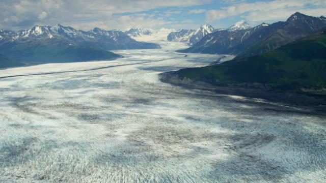 aerial of arctic glacier landscape alaska usa - アラスカ点の映像素材/bロール