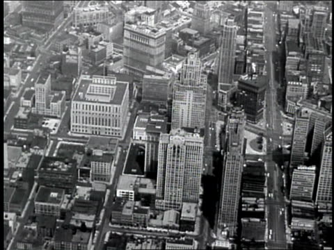 vidéos et rushes de aerial of detroit - détroit michigan