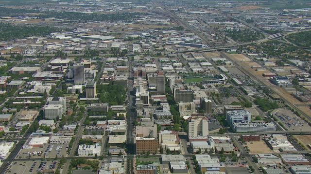 vídeos de stock, filmes e b-roll de aerial of downtown fresno california - fresno