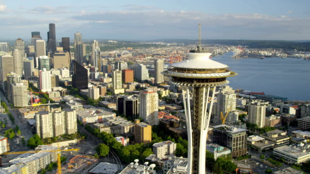 aerial of downtown seattle city usa - space needle bildbanksvideor och videomaterial från bakom kulisserna