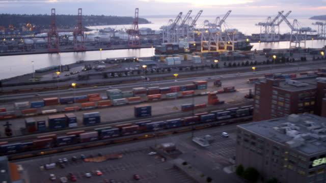 vidéos et rushes de aerial of downtown seattle city usa - océan pacifique nord