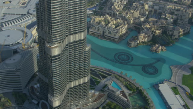 aerial of dubai 18 - international landmark stock videos & royalty-free footage