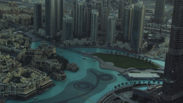 aerial of dubai 21 - international landmark stock videos & royalty-free footage