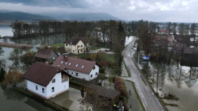 Luftaufnahme von viel Häuser in die marsh