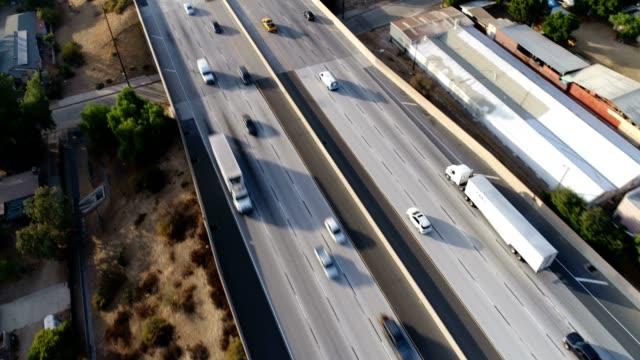 stockvideo's en b-roll-footage met luchtfoto van freeway - westelijke verenigde staten