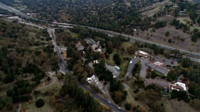 aerial of freeway - pasadena los angeles video stock e b–roll