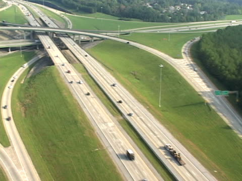 veduta aerea di autostrada - birmingham alabama video stock e b–roll