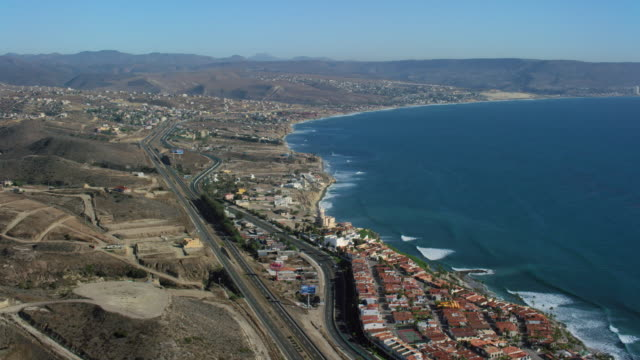 vidéos et rushes de aerial of las gaviotas mexico coastline - péninsule de basse californie