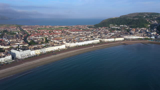 aerial of llandudno, gwynedd, north wales, united kingdom - coastal feature stock videos & royalty-free footage