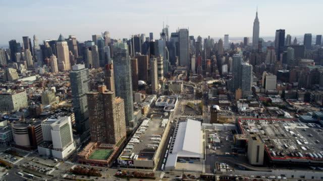 vídeos y material grabado en eventos de stock de vista aérea de midtown manhattan - times square manhattan