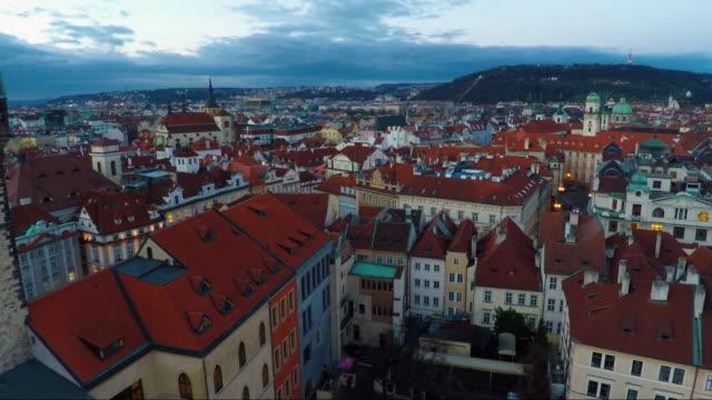 stockvideo's en b-roll-footage met aerial of old town prague - stare mesto