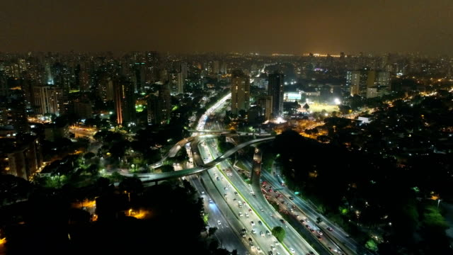 aerial of são paulo cityscape at night - america latina video stock e b–roll